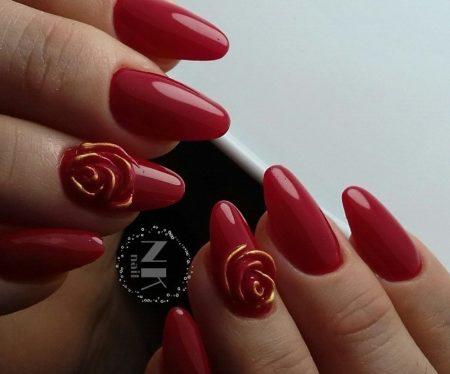 Красный маникюр актуальный дизайн с розой