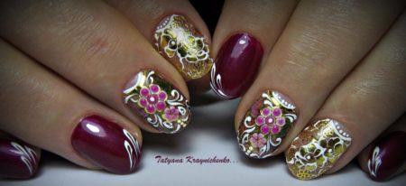 Эффектный маникюр с золотом на короткие ногти