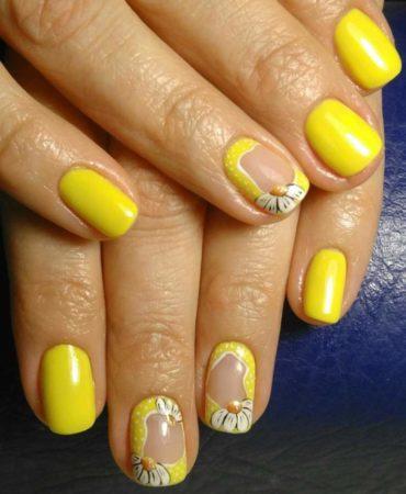 Желтый маникюр на короткие ногти идея дизайна весна -лето