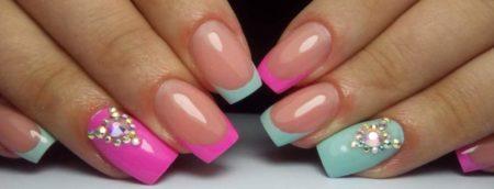 Цветной френч в голубом и розовом цветах красивый и нежный дизайн