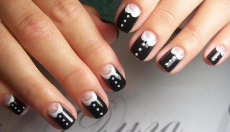 Модный черно-белый маникюр фото