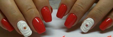 Красный праздничный маникюр на квадратные ногти с объемным дизайном