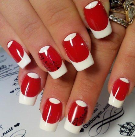 Красный маникюр в сочетание с белым цветом идея лунного маникюра