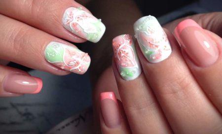 Цветной розовый френч на квадратной форме ногтя идея маникюра весна -лето