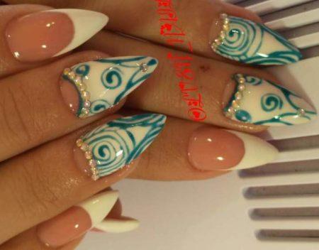 Маникюр на острые ногти с дизайном