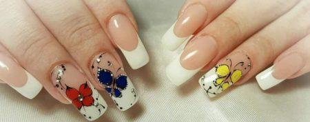 Модный френч маникюр весна - лето на длинные ногти дизайн бабочки