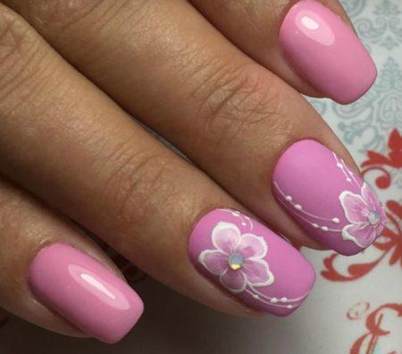 Дизайн ногтей цветы – фото модного маникюра с цветами