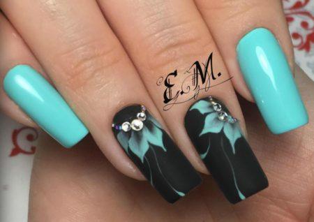 Дизайн ногтей цветы