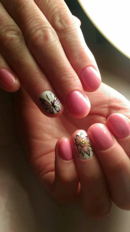 Нежные ногти лето