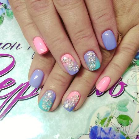 летнем дизайне ногтей морская тематика