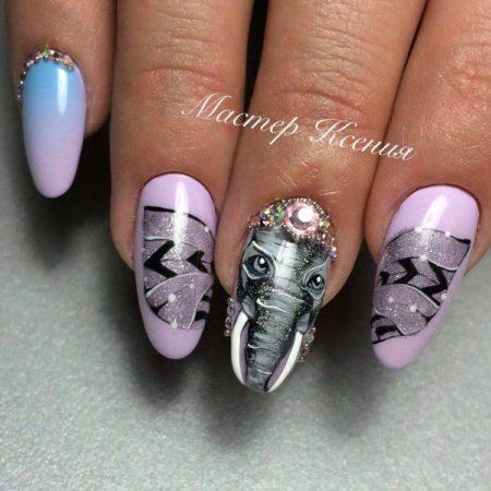 маникюр в виде слона