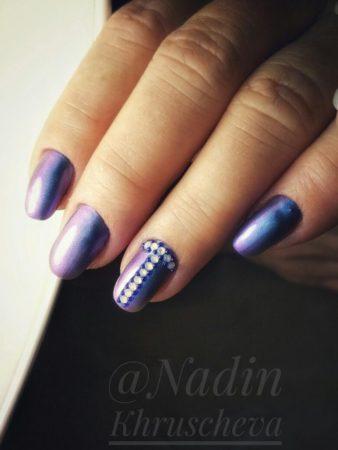 Дизайн ногтей с втиркой - фото красивого зеркального маникюра