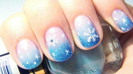 Фото красивого зимнего и новогоднего маникюра