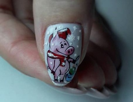 ногти со свинкой