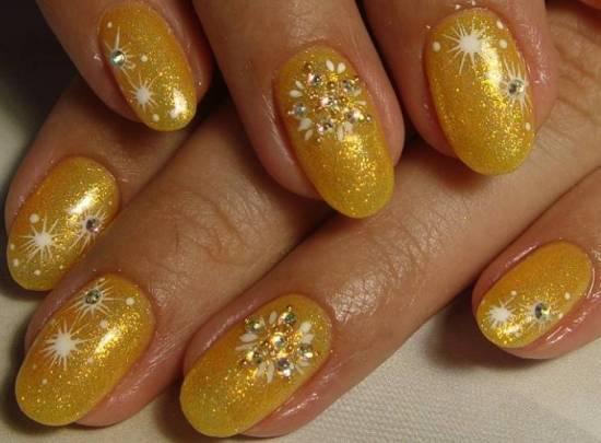 золотые ногти на новый год
