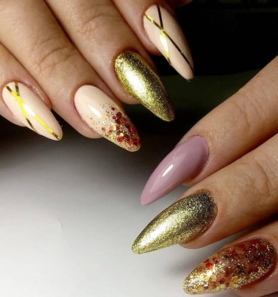 дизайн ногтей с золотом и блестками