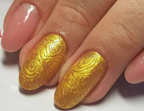 красивый рельефный дизайн с золотом