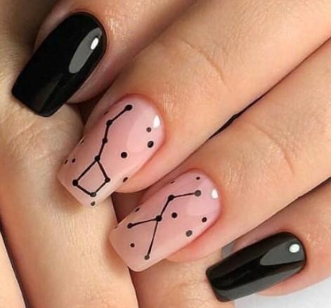 созвездия на ногтях