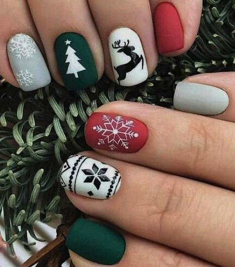 матовые новогодние ногти
