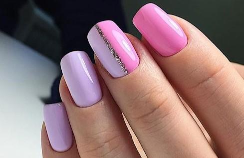 маникюр в розовых цветах