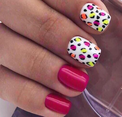 пятнистые ногти