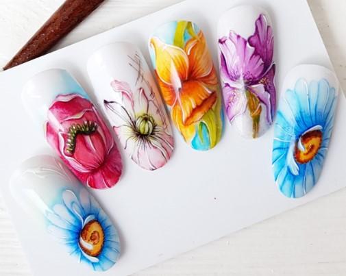 акварельный маникюр красивые цветы