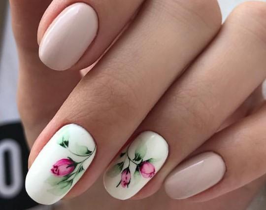 воздушный акварельный маникюр цветы