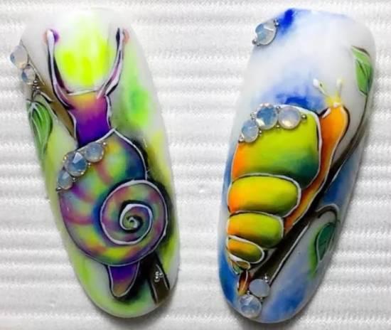 очень красивый дизайн ногтей акварелью улитки