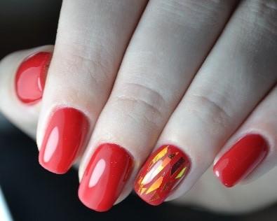 осколки на ногтях