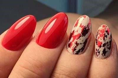 красная фольга на ногтях