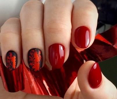 красно-черные матовые ногти