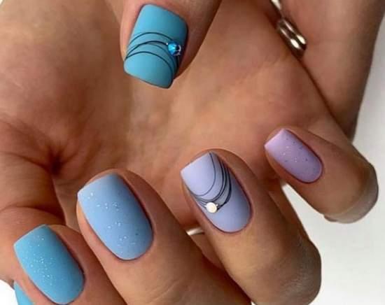 паутинка на матовых ногтях