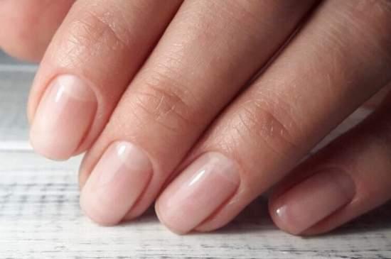 бесцветные ногти