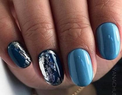 синие ногти с фольгой