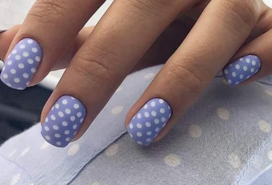 горошек на ногтях