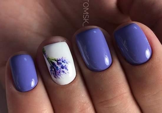 сиреневые ногти