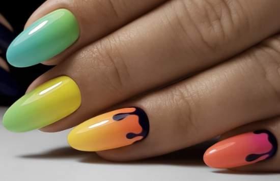яркие нарощенные ногти