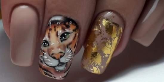 маникюр с тигром