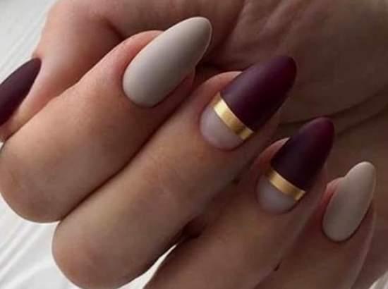 ногти с золотыми полосками