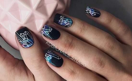 абстракция на темных ногтях