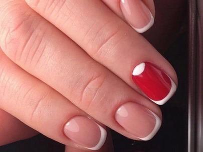 свадебный френч с красным акцентом на безымянном пальце