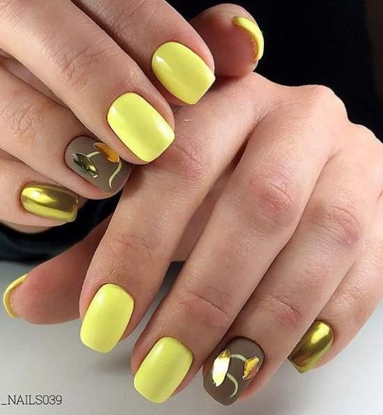 жидкое золото на ногтях