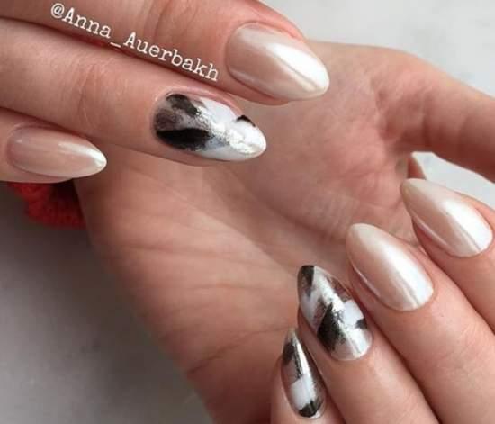 Белый гель-лак и блестящая втирка - идеальное сочетание для маникюра