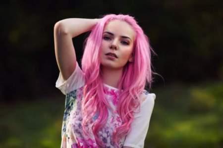Розовые волосы — модный hair-тренд для девушек