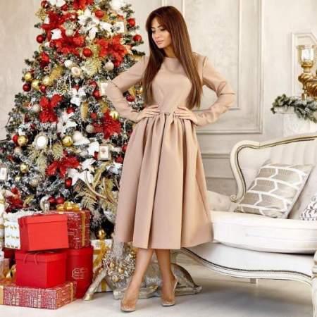 Выбираем модные платья на Новый год 2021