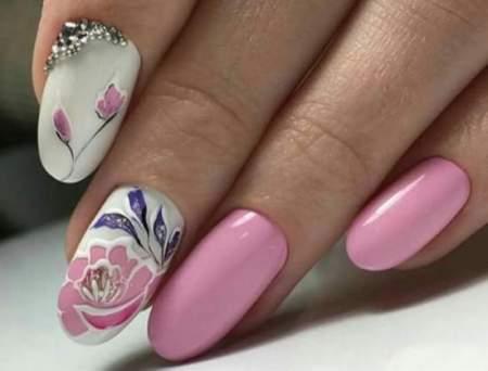 Светло-розовые ногти: фото новинки нежного дизайна 2020
