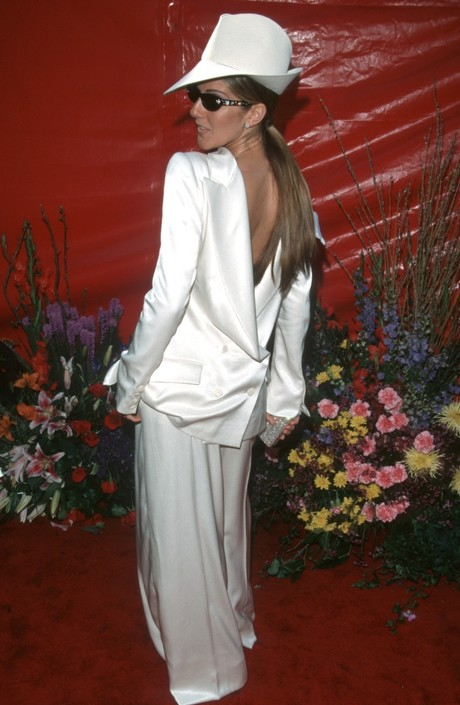 Насколько может изменить ваш образ правильно подобранное вечернее платье (ФОТО звезд)