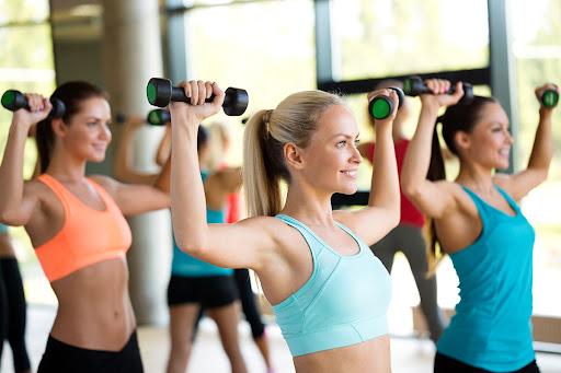 занятия по фитнесу